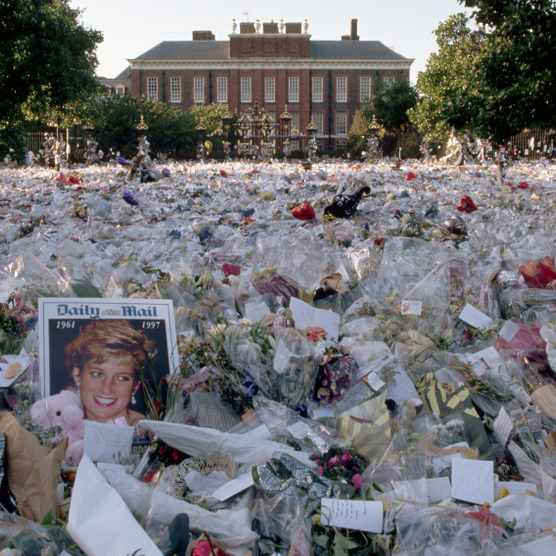 Floral tributes to Diana, Princess of Wales, outside Kensington Palace. (Photo by Liba Taylor/CORBIS/Corbis via Getty Images)