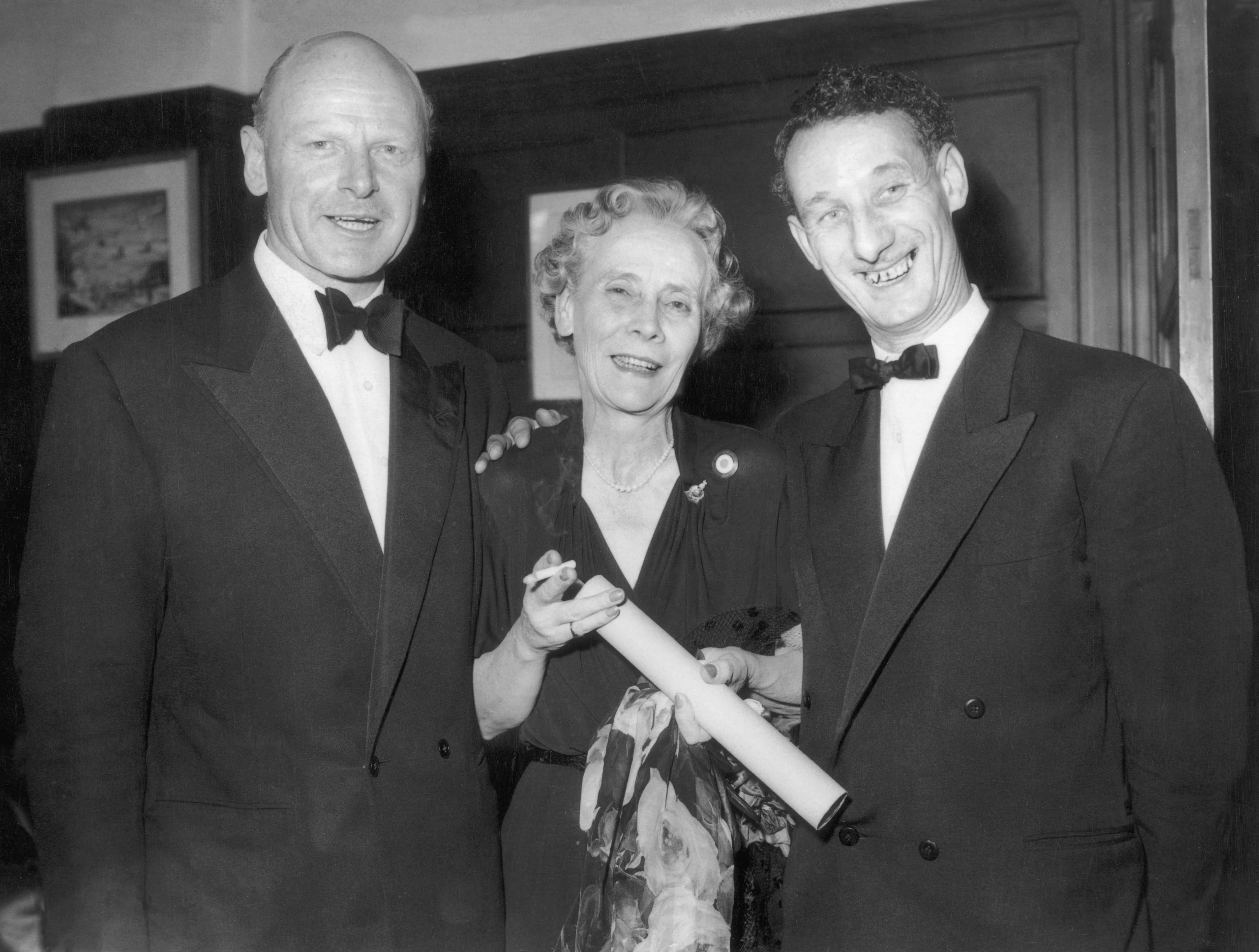 "Herbert 'Blondie' Hasler (left) pictured with Bill Sparks and Mary Lindell. It was ""his ability to take ordinary men and give them the confidence and skills to do extraordinary things"" that made him a hero, says Paddy Ashdown. (Photo by Keystone/Hulton Archive/Getty Images)"