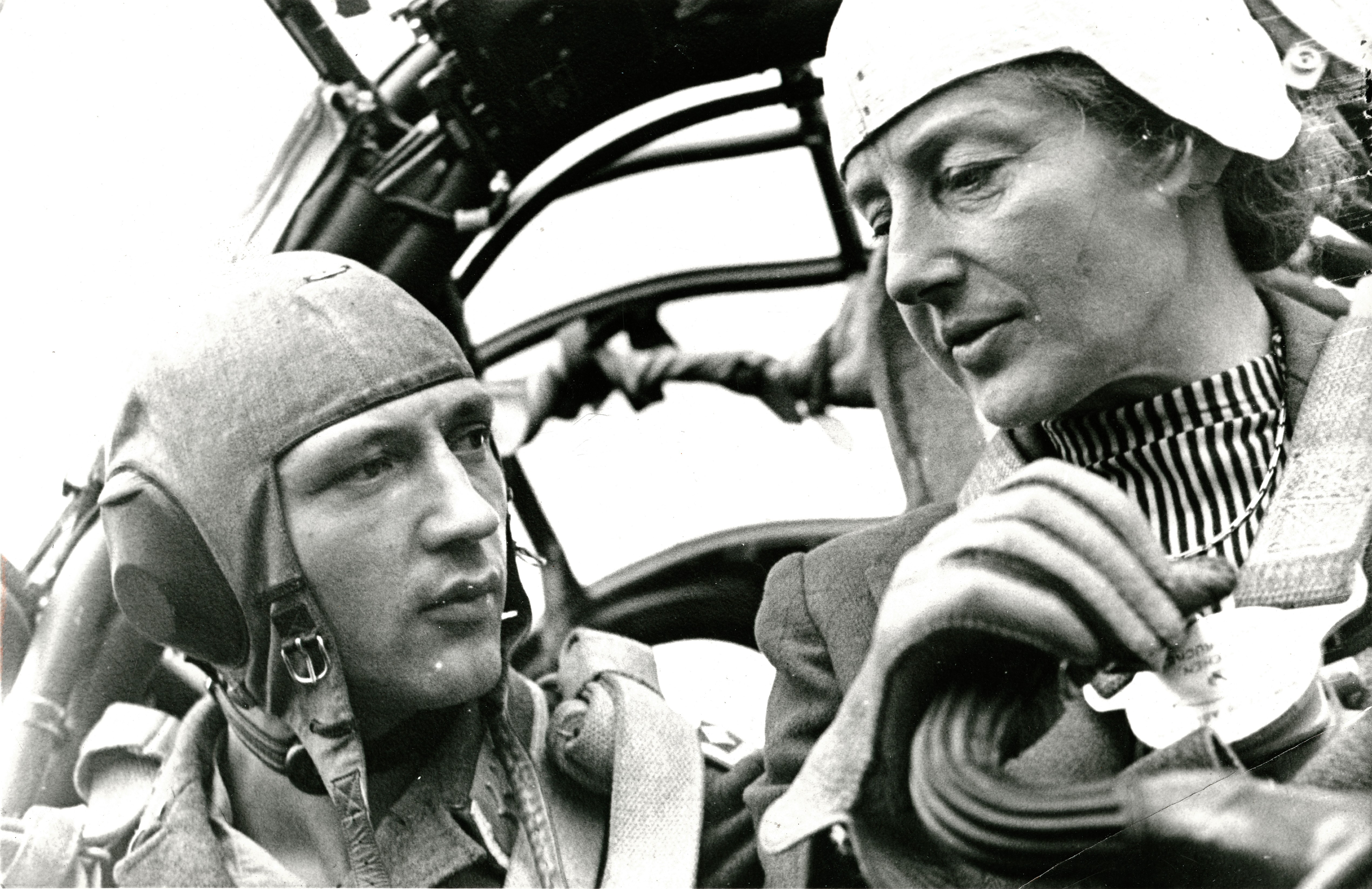 Test pilot Melitta Schiller (right), Berlin, June 1943. (Photo by DRK/ullstein bild via Getty Images)