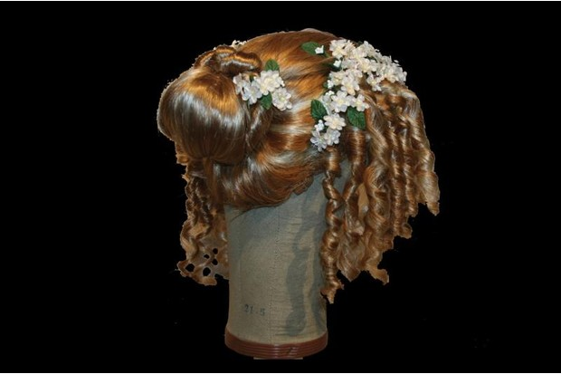 17th century women's wig with ringlets