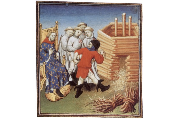 Templars are going to be executed under look of french king Philippe IV le Bel in 1310, illumination. (Photo by Apic/Getty Images)