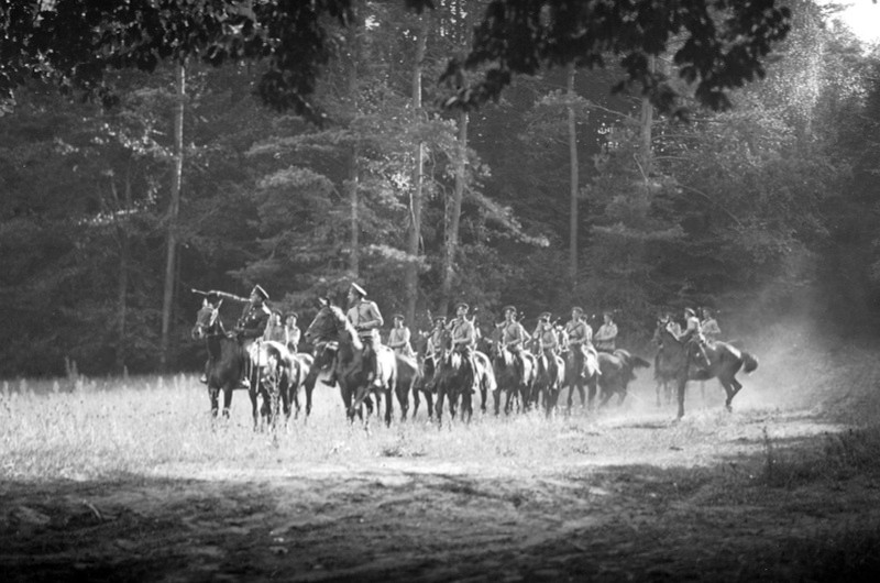 First World War: A German cavalry patrol in the battle of Tannenberg, where the Russian Narew-Army was encircled and beaten by the German troops led by Hindenburg and Ludendorff. (Film still!), 26.08.191     Date: 1914