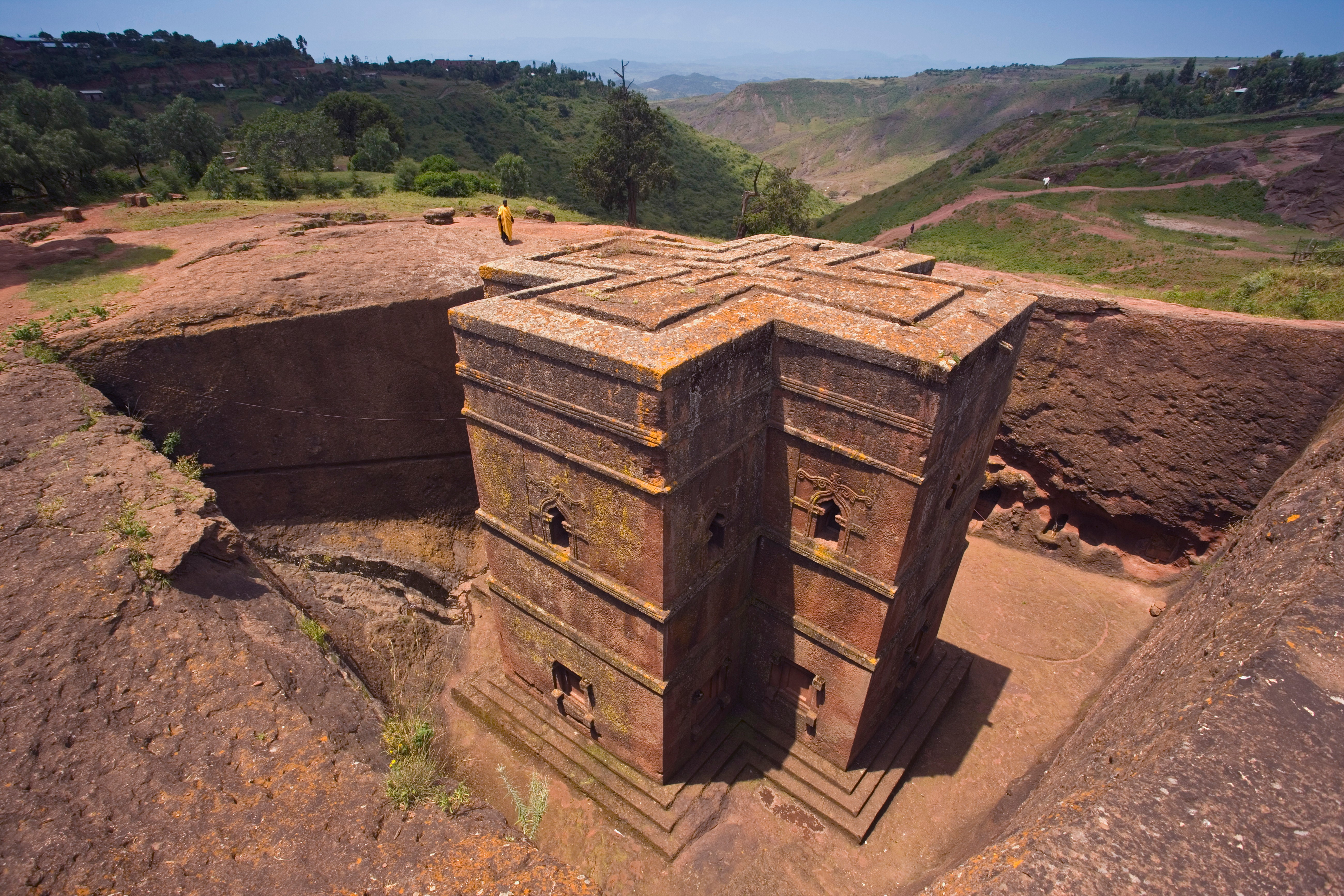 The Sunken Rock Hewn church of Bet Giyorgis (St  George), Lalibela, Northern Ethiopia, Ethiopia, Africa *** Local Caption *** The most famous of Lalibela's Rock Hewn churches, The Sunken Rock Hewn church of Bet Giyorgis, 'St. George', dating from the 12th Century, Lalibela's Rock Hewn Churches rank amoung the greatest religio-historical sites, not only in the African continent but in the Christian World
