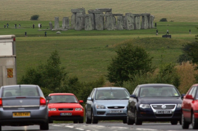 0900 AMESBURY, WILTS: Press briefing on new proposals to improve road and visitor facilities at Stonehenge. Antrobus House, 39 Salisbury Road, Amesbury, SP4 7HH. Contact Renee Fok 020 7973 3297