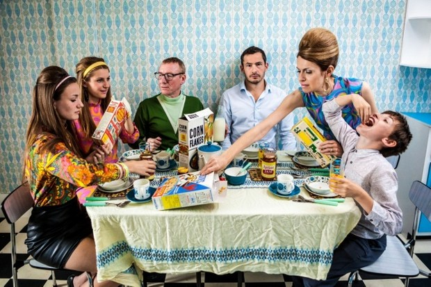 8291020-low_res-back-in-time-for-dinner_0-3cdbe4b