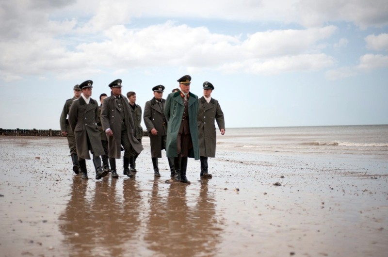 Rommel with his aides surveying the beach and issuing his orders.(photo credit:  Bread & Shutter/Barry Read)