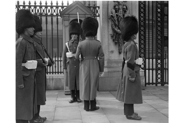 A brief history of London tourism since 1800 - History Extra