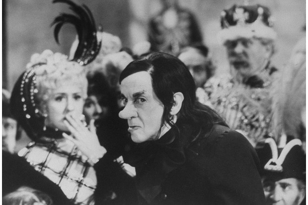 Sir Robert Helpmann as the Childcatcher in 'Chitty Chitty Bang Bang', 1968. (Photo by Terence Spencer/The LIFE Picture Collection/Getty Images)