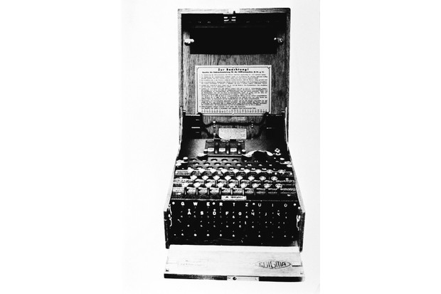 Enigma20machine-81d9553
