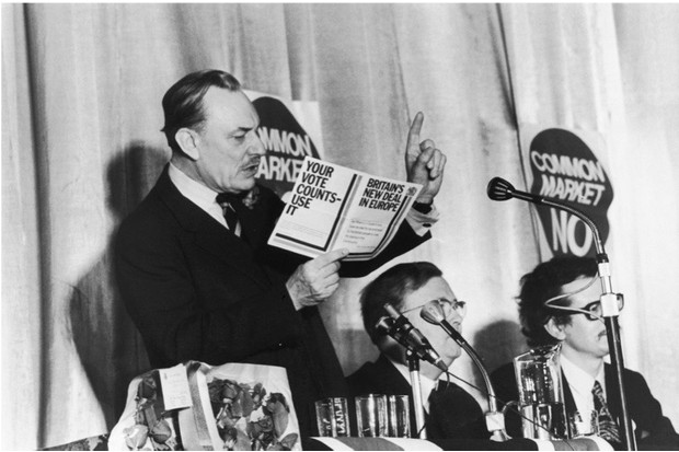 British statesman and Eurosceptic Enoch Powell (1912 - 1998) speaks at Sidcup on the subject of the European Common Market, 5th June 1975. (Photo by John Mitchell/Evening Standard/Hulton Archive/Getty Images)