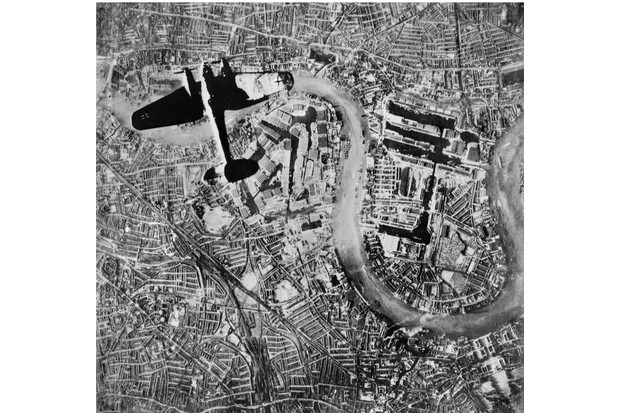 The Battle Of Britain, A Heinkel He 111 bomber flying over the Isle of Dogs in the East End of London, at at the start of the Luftwaffe's evening raids of 7 September 1940, 7 September 1940. (Photo by German Air Force photographer/ IWM via Getty Images)