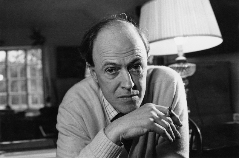 British writer Roald Dahl (1916–1990), 11th December 1971. (Photo by Ronald Dumont/Daily Express/Hulton Archive/Getty Images)