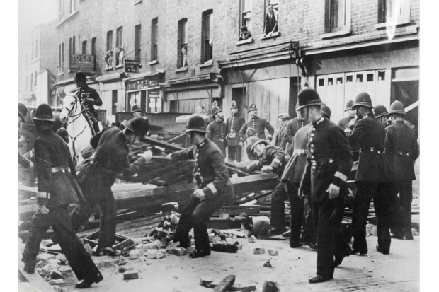 Police remove barricades after the 'battle of Cable Street'
