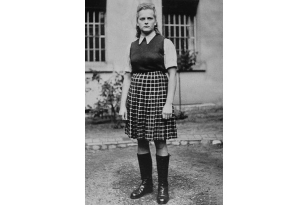 "Irna Grese ""l ange blond d Auschwitz "" dans un camp de concentration WW2 Credit:Rue des Archives / TAL / 18 rue le Bua 75020 Paris France"