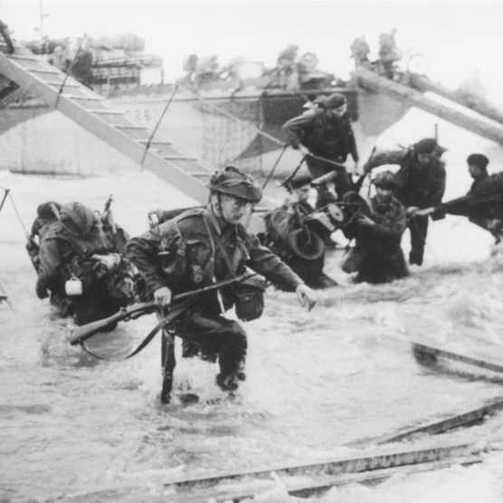 Troops from the 48th Royal Marines at Saint-Aubin-sur-mer on Juno Beach, Normandy, France, during the D-Day landings, 6th June 1944. (Photo by Hulton Archive/Getty Images)