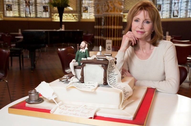 Jane_Asher_launches_Cakespeare_5_c_Victoria_and_Albert_Museum-8cc1b84
