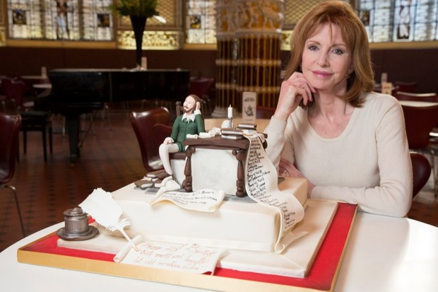 Surprising Bake A Birthday Cake For William Shakespeare Historyextra Funny Birthday Cards Online Benoljebrpdamsfinfo