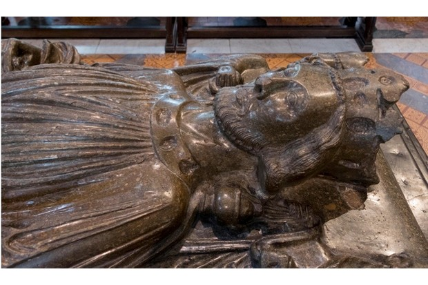Effigy of King John, Worcester Cathedral. (Photo by Robert Harding/Alamy Stock Photo)