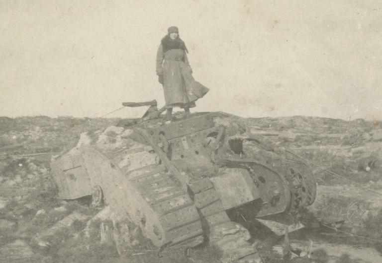 No Man's Land: Women photographers in the First World War