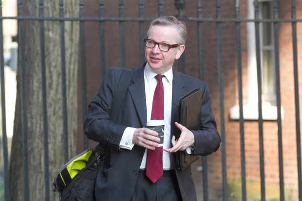 DXXGMB Westminster London, UK. 1st April 2014. Michael Gove MP Secretary of State for Education arrives at Downing street for the weekly Cabinet meeting © amer ghazzal/Alamy Live News