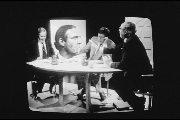 British Labour politicians Tony Benn (left) and Roy Jenkins (1920 - 2003, right)