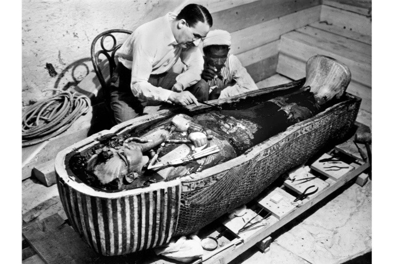 Tutankhamun-Howard-Carter-2-dd8866a