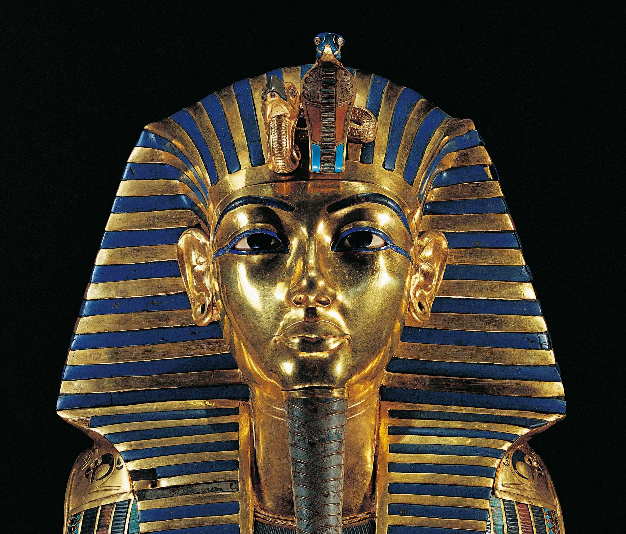Golden funerary mask of Tutankhamun, inlaid with lapis lazuli, obsidian and turquoise. (Photo By DEA / G. DAGLI ORTI/De Agostini/Getty Images)