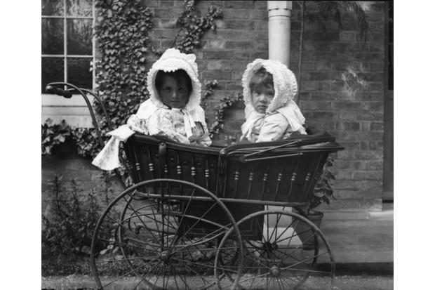 Two20Victorian20babies20in20a20pram_0-84b0891