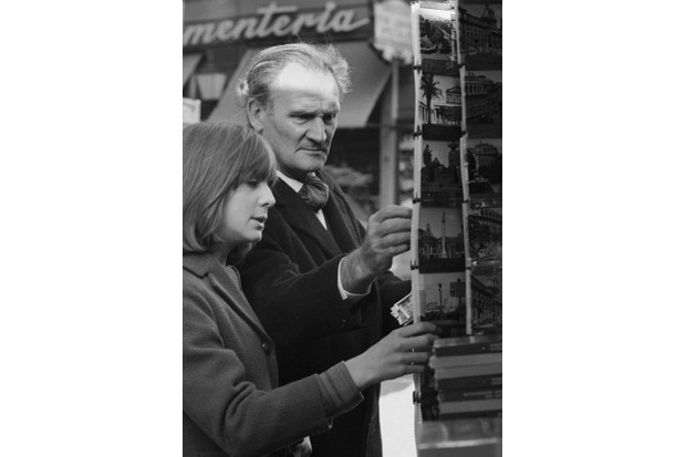 The famous British double agent, Eddie Chapman, with his daughter in circa 1966. (Roger Viollet Collection/Getty Images)