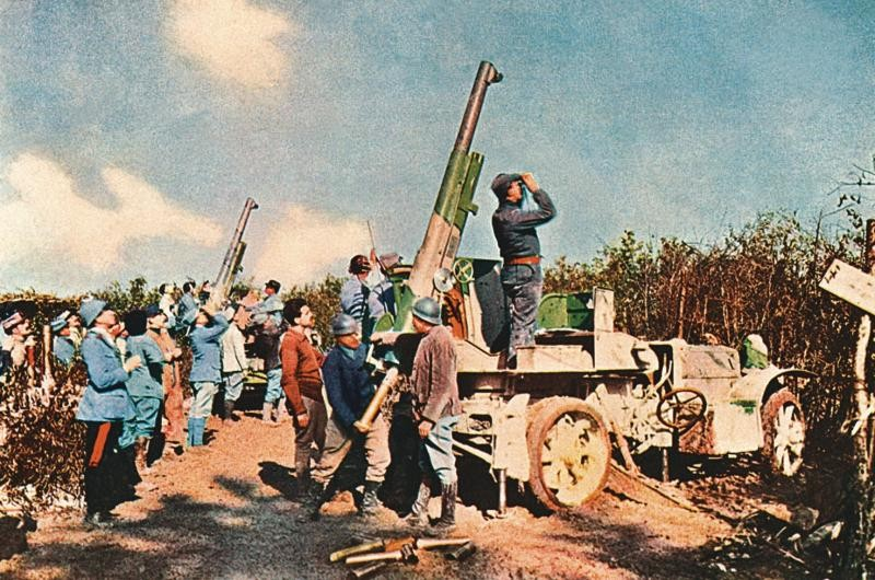 A colour image of military guns during World War One