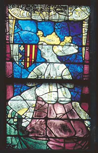 5FK-L49-E1-2000 (315779)  Hl.Ludwig, Marie de Blois u.a. / 1425  Le Mans (Frankreich, DÈp. Sarthe), Kathedrale Saint-Julien (Fassade u.Langhaus 11./12.Jh.; Quer- schiff u. Chor 13.Jh.). - Nˆrdl. Fensterrose (1425; Ausschn.): Hl.Ludwig (IX.,Kg.v.Frankreich; rechts oben); Marie de Blois (Mutter v.Ludwig II. v.Anjou) u. Yolande d'Aragon (dessen Gemahlin; rechts unten). - Foto.  E: Saint Louis, Marie de Blois, ... / 1425.  Le Mans (France, DÈp. Sarthe), CathÈdrale St-Julien du Mans (facade and nave 11th/12th; transept and choir 13th century). - Northern rose window (1425; detail): Saint Louis (Louis IX of France, top right), Marie de Blois (mother of Louis II of Anjou) & Yolande of Aragon (bottom right). - / Photo.