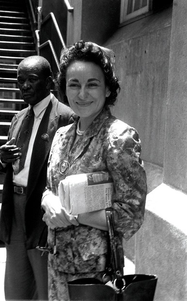 7-A3-APN36556E:Ruth First during the Treason Trial.Ruth first during the Treason Trial.Photo, 1956.Photograph by Drum photographer BaileysArchive.ORIGINAL:DM2000081813:SAED:POLITICS:PERSONALITY:F