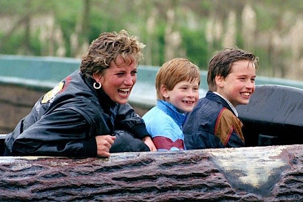 Princess Diana with her sons William and Harry on a trip to Thorpe Park amusement park. (Julian Parker/UK Press via Getty Images)