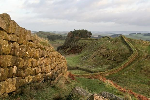 Hadrian's Wall. (© Andrew Emptage/Dreamstime.com)