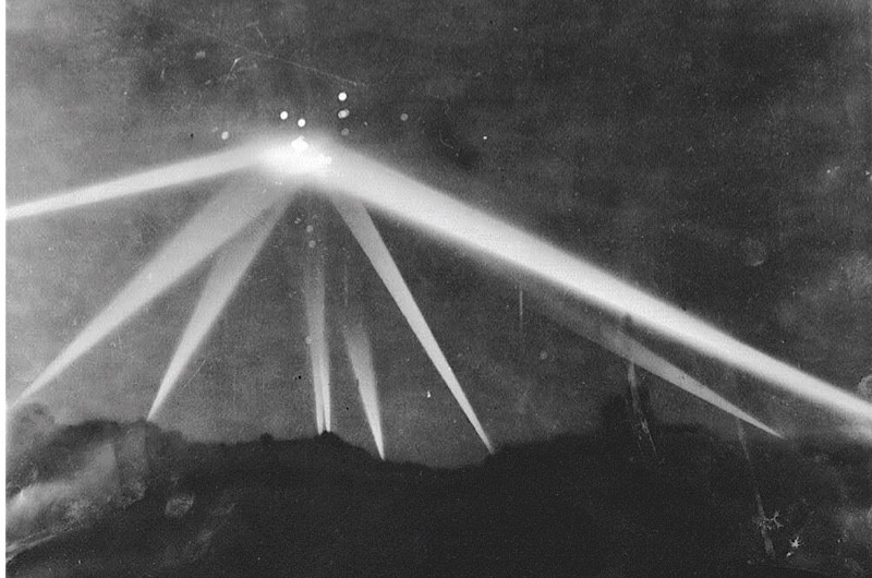 LA Times photo from newspaper report 1942