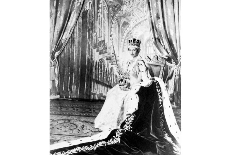 queen-elizabeth-ii-coronation-1953-cf5026b