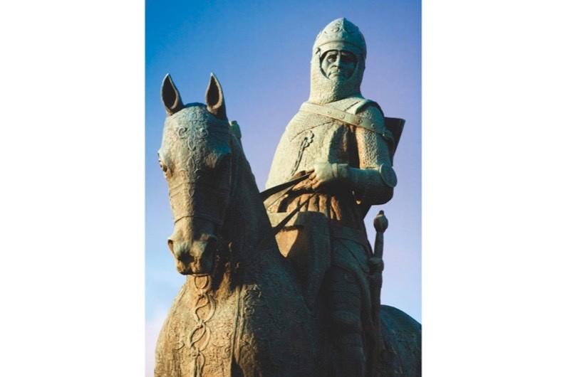 robert-bruce-statue-6383446