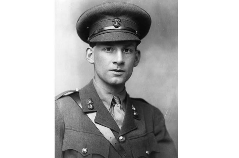 First World War poet and soldier Siegfried Sassoon in uniform.
