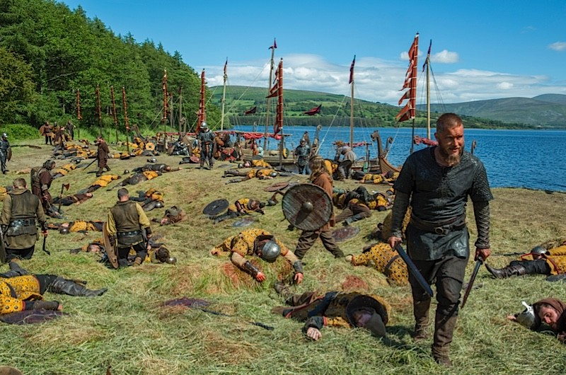 """VIKINGS - Series 3, Episode 2 """"The Wanderer"""" - Lagertha and Athelstan help to set up the Viking settlement; a mysterious wanderer turns up"""