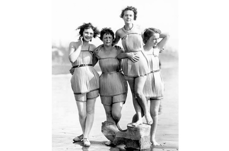 The 'Spruce Girls' wearing their specially made wooden bathing suits in 1929. (Credit: © Historic Collection / Alamy)