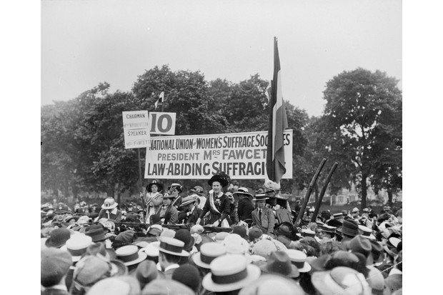 Millicent Fawcett addressing crowds in Hyde Park