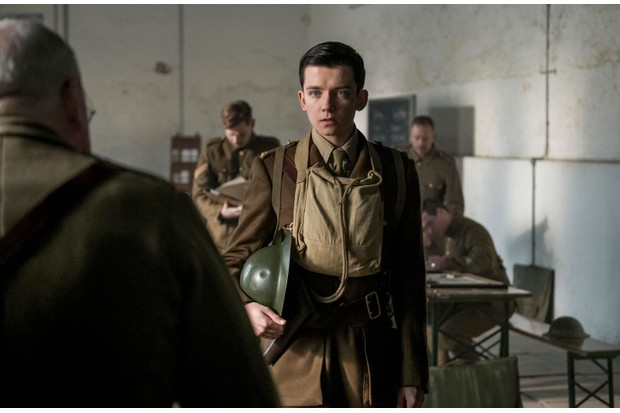 Asa Butterfield as Raleigh in new First World War film 'Journey's End'.