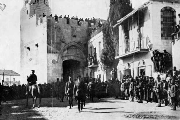 General Edmund Allenby walks into Jerusalem on 11 December 1917