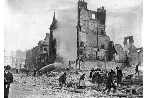 H22 Ruins of the Coliseum Theatre, Henry Street 1916 This theatre was opened in April 1915 and destroyed in the 1916 Easter Rising. (Part of the Independent Newspapers Ireland/NLI collection.). (Photo by Independent News And Media/Getty Images)