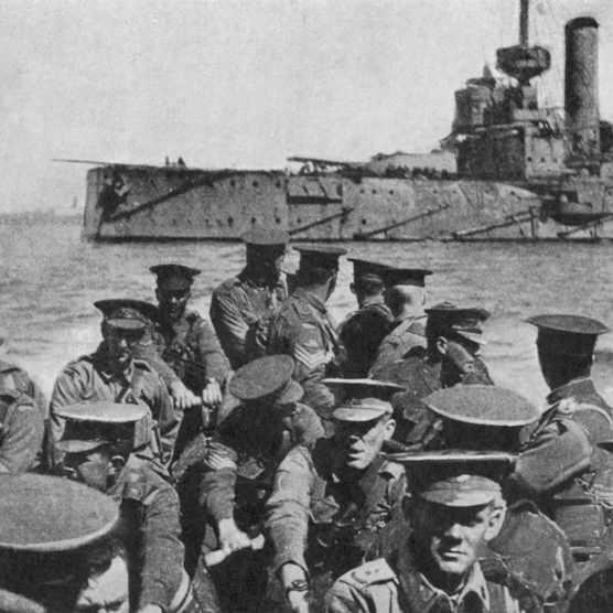 Australian troops head for Gallipoli in 1915