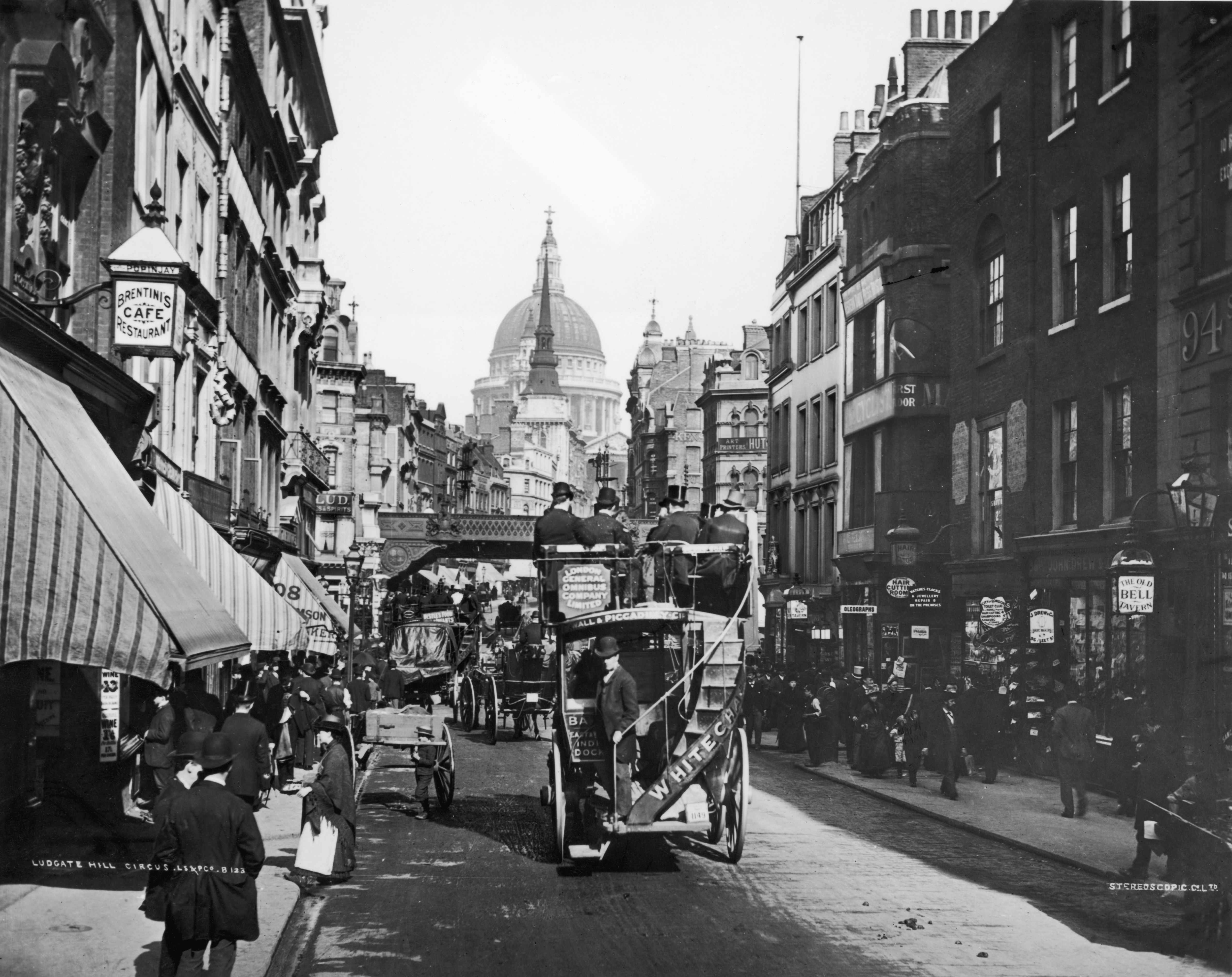 A bus makes its way down Fleet Street towards Ludgate Hill Circus and St Paul's Cathedral, London, c1888. (Photo by London Stereoscopic Company/Hulton Archive/Getty Images)