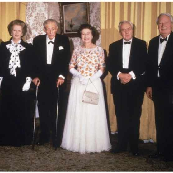 Former British Prime Ministers (left to right) James Callaghan, Sir Alec Douglas-Home (1903 - 1995), Harold MacMillan (1894 - 1986), Harold Wilson (1916 - 1995) and Edward Heath with Queen Elizabeth II and Prime Minister Margaret Thatcher at 10 Downing Street, to celebrate the building's 250 years as the Prime Minister's residence, 11th December 1985. (Photo by Hulton Archive/Getty Images)
