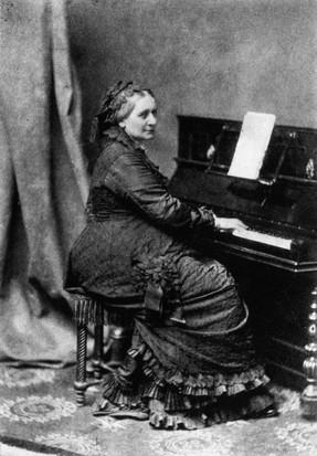 Clara Schumann. (Photo by Franz Hanfstaengl/Hulton Archive/Getty Images)