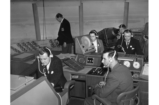 The air traffic control room at Heathrow, March 1955. (Photo by Topical Press Agency/Getty Images)