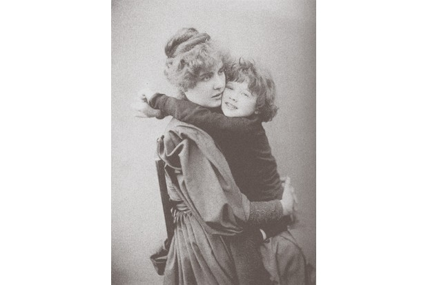 Constance Wilde photographed with her son Cyril. (Photo by Fine Art Images/Heritage Images/Getty Images)